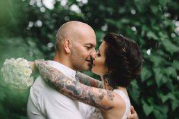 Bröllopsfotograf Linköping - DIY ladubröllop med fantastiska detaljer - Loke Roos