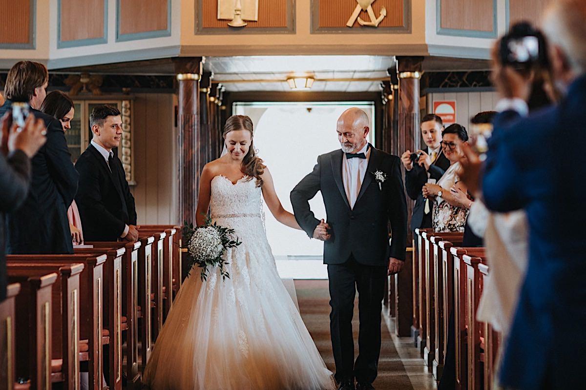 Bröllopsfotograf Steneby kyrka